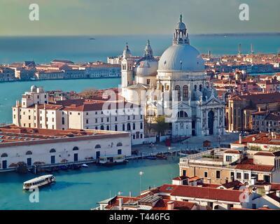 Vista aerea di Santa Maria della Salute a Venezia in Italia