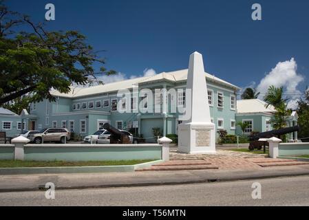 Monumento obelisco in Holetown, Barbados commemora l'inglese lo sbarco in Barbados dal capitano John Powell nel 1625 sulla nave fiore di oliva Foto Stock