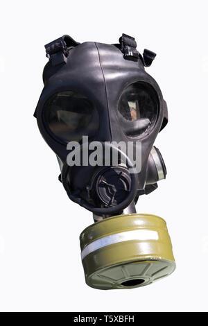 Maschera a gas isolato su bianco