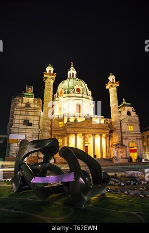 San Carlo, la Chiesa (Karlskirche) a Vienna, in Austria Foto Stock