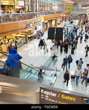 Sala interna l'aeroporto di Istanbul. Turchia Foto Stock