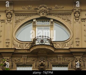 Frammento di La facciata in stile Art Nouveau Foto Stock