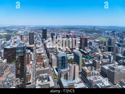 Skyline di Johannesburg. Vista aerea sul Central Business District (CBD) dalla Carlton Tower, Johannesburg, Sud Africa.
