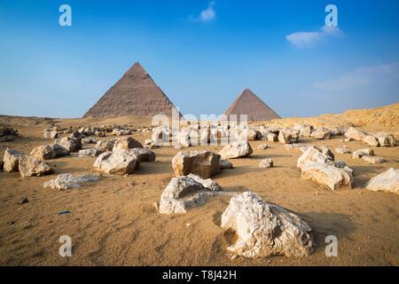 La Piramide di Giza complesso vicino al Cairo, Egitto Foto Stock