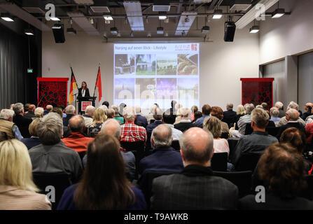 Berlino, Germania. Il 17 maggio 2019. La cerimonia di apertura di Nanjing culturali e turismo settimane è tenuto presso la Cina centro culturale di Berlino, capitale della Germania, il 17 maggio 2019. Credito: Shan Yuqi/Xinhua/Alamy Live News