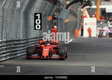 Monte Carlo, Monaco. 23 Maggio, 2019. F1 Grand Prix di Monte Carlo, libere; la Scuderia Ferrari, Charles Leclerc Credito: Azione Sport Plus/Alamy Live News