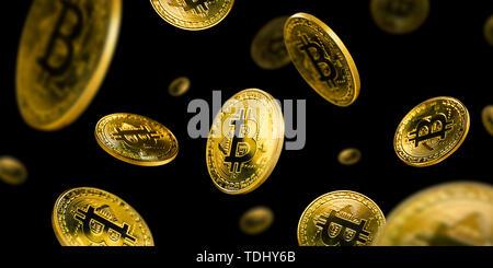 Oro monete Bitcoin battenti su sfondo nero Foto Stock