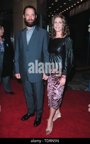 """Dic 16, 1999; Los Angeles, CA, Stati Uniti d'America; attori Tom Hanks e Rita Wilson @ """" Il miglio verde' premiere.. (Credito Immagine: © Chris Delmas/ZUMA filo)"""