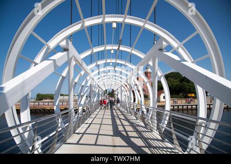 Ponte pedonale a Ustka, Polonia 17 Giugno 2019 © Wojciech Strozyk / Alamy Stock Photo Foto Stock