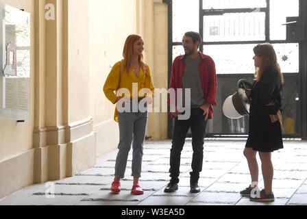 Direttore Fiona Ziegler (destra) girato un Swiss-Czech road movie perduta nel paradiso a Praga Repubblica Ceca, luglio 15, 2019. Attori DOMINIQUE JANN e HANA VAGNEROVA (sinistra) svolgono ruoli principali. Foto Stock