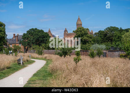 Quarr Abbey, un monastero benedettino vicino a Ryde, Isle of Wight, England, Regno Unito Foto Stock