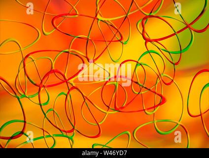 Colorato in rosso gradazioni di giallo gradiente dello sfondo è coperto con curve intersecantisi ovali iridato in rosso, giallo e verde Foto Stock