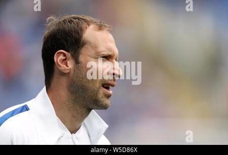 Chelsea tecniche e Performance Advisor Petr Cech durante la pre-stagione amichevole al Madejski Stadium, lettura. Foto Stock