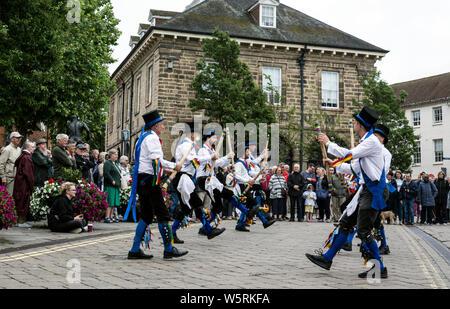 Morris ballerini a Warwick Folk Festival, Warwickshire, Regno Unito Foto Stock
