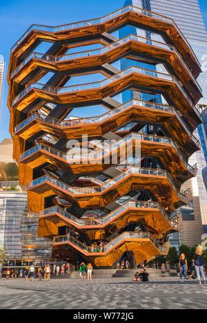 Nave cantieri Hudson, vista in estate della nave edificio (2019) progettato da Thomas Heatherwick e ubicato in cantieri di Hudson, Manhattan, New York City. Foto Stock