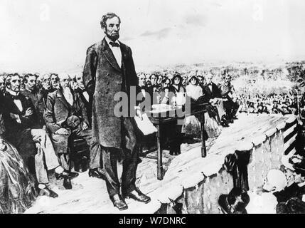 Il presidente Abraham Lincoln offrendo il suo indirizzo di Gettysburg, 1863. Artista: sconosciuto Foto Stock