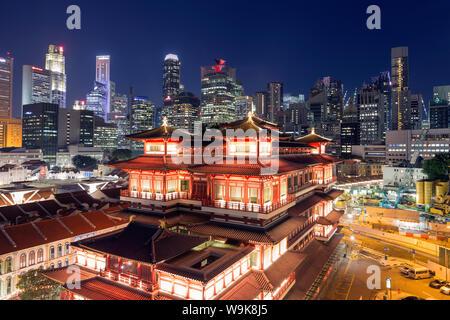 Dente del Buddha reliquia tempio con sullo sfondo della città, Chinatown, Singapore, Sud-est asiatico, in Asia