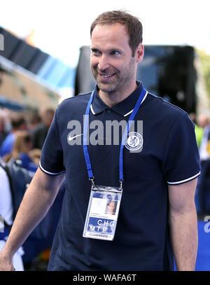 Chelsea tecniche e performance advisor Petr Cech arriva a terra Foto Stock