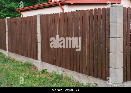 Privacy e sicurezza. Recinzione in close-up Foto Stock