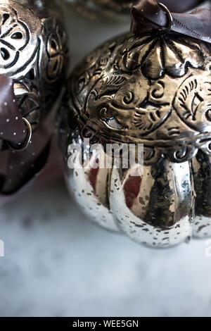 Close Up di contenitori in metallo Foto Stock