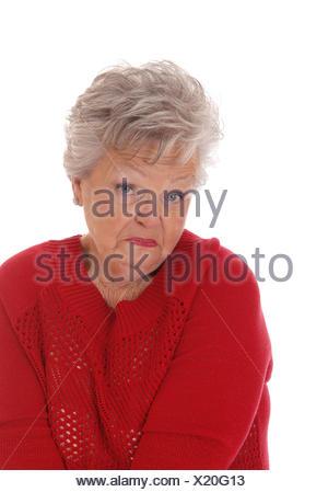 Sorpreso spaventata senior donna. Foto Stock Sorpreso spaventata senior  donna. I capelli bianchi di età ... a39aac4d976b