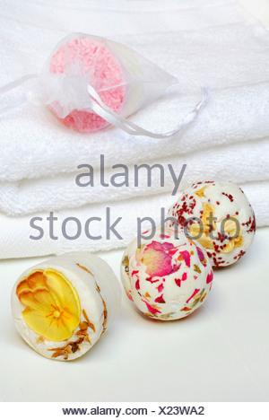 Perle da bagno Foto & Immagine Stock: 276238622 - Alamy