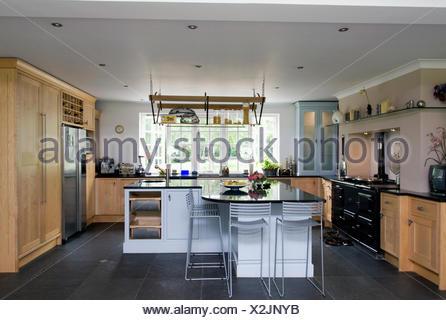 Isola cucina con sgabelli best cucina con bancone with isola cucina con sgabelli awesome bella - Sgabelli per isola cucina ...
