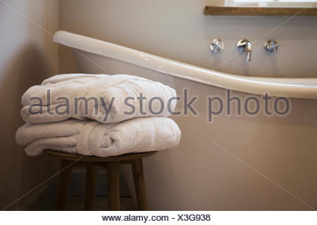 Vasca Da Bagno Rialzata : Una vecchia pantofola forma vasca da bagno vasca da bagno con