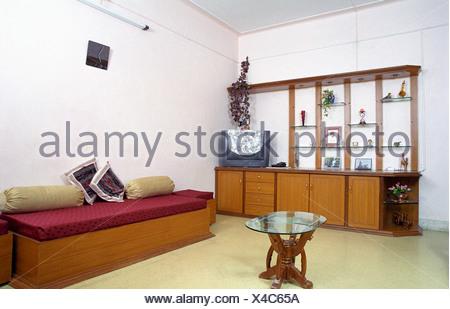 Interni - un soggiorno con la tradizione indiana disposizione ...