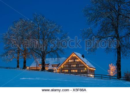 Gupf svizzera canton appenzello esterno casa ristorante illuminato