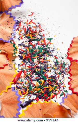 Chiudere fino a matita colorata affilature Foto Stock