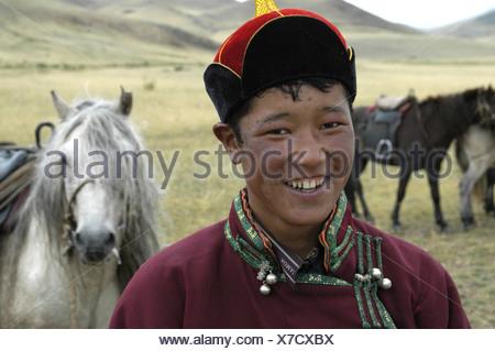 comprando ora miglior sito web super carino Ritratto nomadi pastorello vestito di rivestimento tradizionale e ...