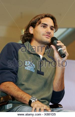 Swiss giocatore di tennis Roger Federer durante un colloquio presso Emmencenter a Emmen, Svizzera