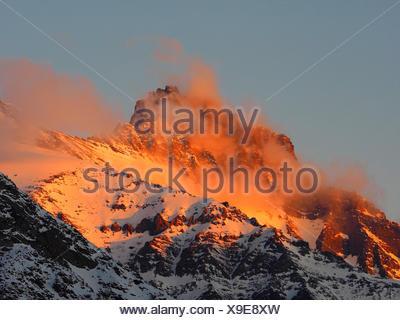 Monte Cervino (Matterhorn) vista da Cervinia , Italia, Cervinia Foto Stock