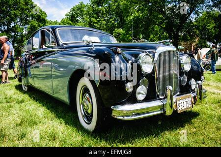 ... 1959 Jaguar Mark IX, Antique Car Show, Sully Local Histórico, Chantilly,  Virginia