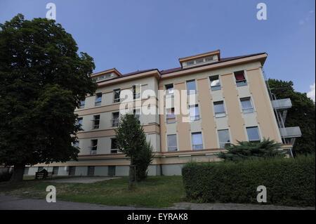 Segunda-feira. 3 Ago, 2015. Centro residencial para asylants Kostelec nad Orlici, Boémia oriental, República Checa, Foto de Stock