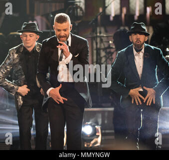 HOLLYWOOD, CA - 26 de fevereiro: Justin Timberlake executa no palco durante o 89º Annual Academy Awards no Hollywood & Highland Center on Fevereiro 26, 2017 em Hollywood, Califórnia, Pessoas: Justin Timberlake Foto de Stock