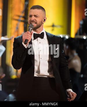 HOLLYWOOD, CA - 26 de fevereiro: Justin Timberlake executa no palco durante o 89º Annual Academy Awards no Hollywood & Highland Center on Fevereiro 26, 2017 em Hollywood, Califórnia, Pessoas: Justin Timberlake Foto de Stock