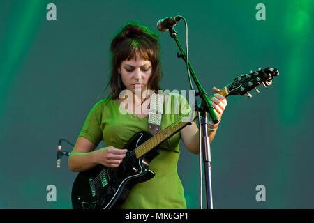 Angel Olsen singer realiza em concerto Foto de Stock
